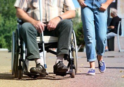 Unos 650.000 españoles tienen daño cerebral y la mitad recibe ayuda diaria, principalmente de una mujer