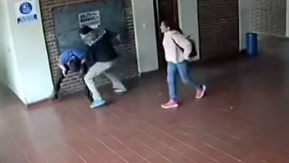 Brutal paliza de un padre al profesor de su hija menor por presuntos abusos sexuales, en Argentina