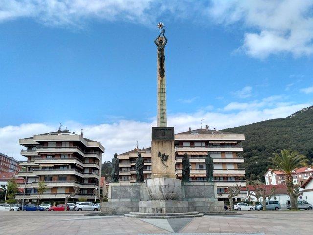 Monumento a Carrero Blanco en Santoña (Cantabria)