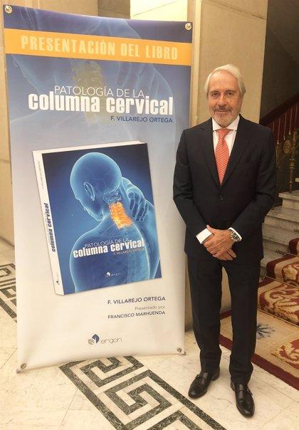 Más de 40 neurocirujanos, traumatólogos y radiólogos participan en un libro sobre las patologías de la columna vertebral