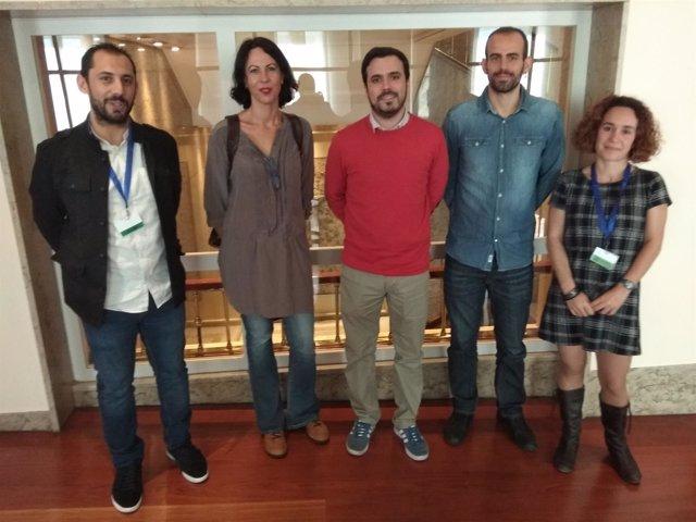 Alberto Garzón y diputados de IU con representantes de la comarca del Guadiato