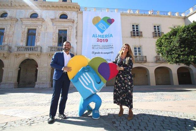 El alcalde de Almería celebra la proclamación de la ciudad como CEG 2019