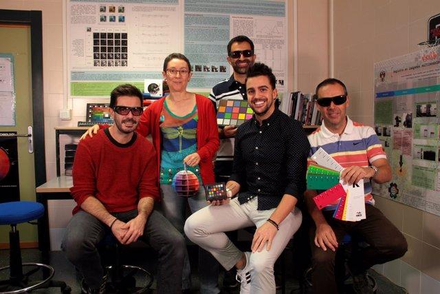 Desmontan la eficacia de unas gafas que aseguraban aliviar el daltonismo