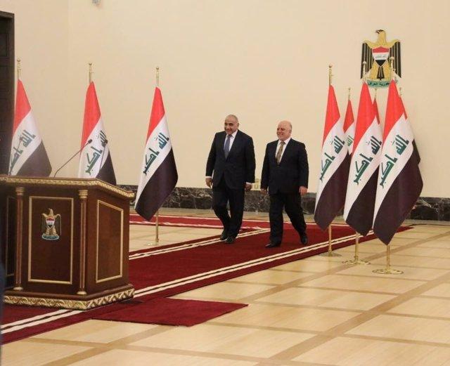 Al Abadi traspasa sus poderes al nuevo primer ministro de Irak, Adel Abdul Mahdi