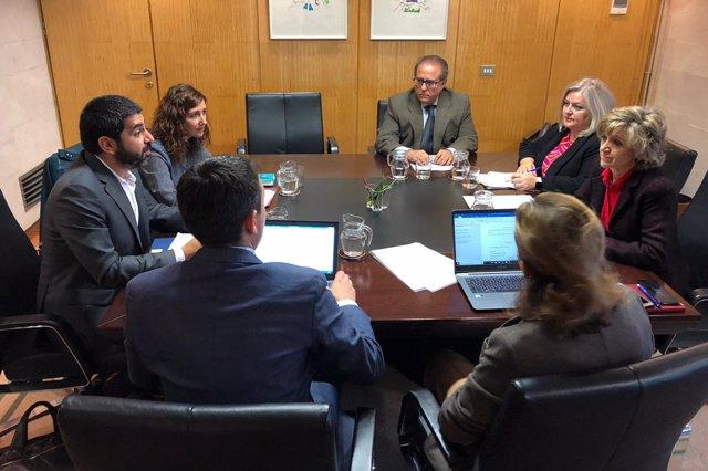 Reunión de la ministra María Luisa Carcedo con el conseller Chakir el Homrani
