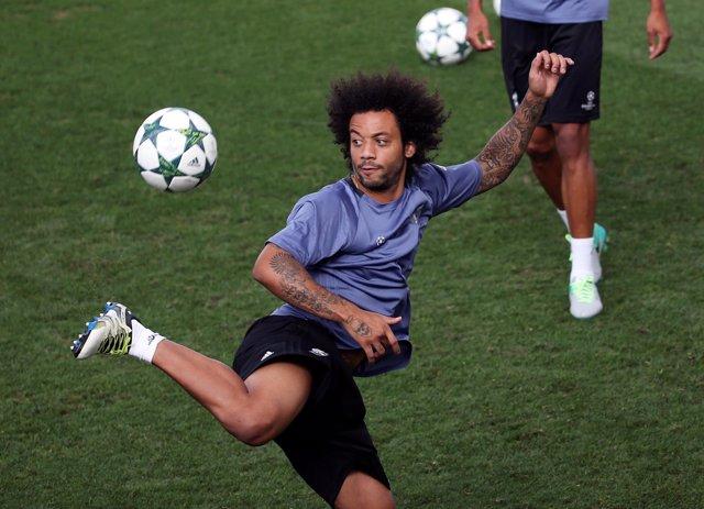 Marcelo Vieira entrenando con el Real Madrid