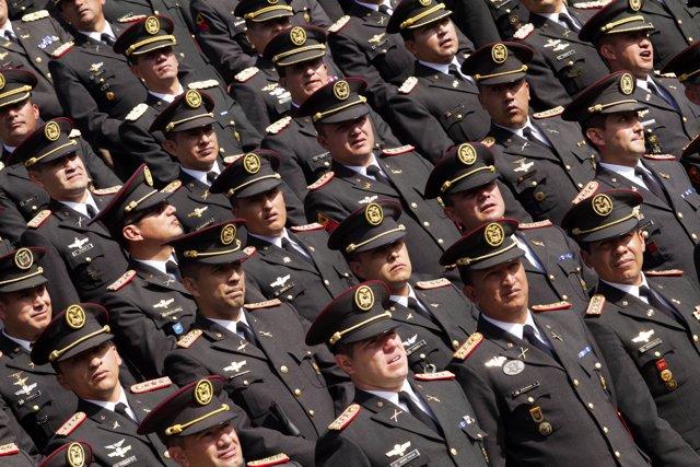 Oficiales del Ejército de Ecuador en una ceremonia