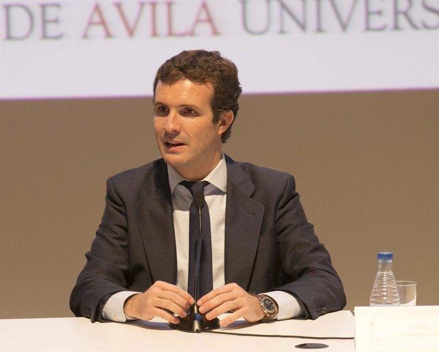 Pablo Casado participa en la Escuela de Otoño de la Universidad Católica de Ávil
