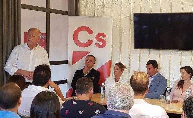 Javier Imbroda, de Cs, en un encuentro en Coín