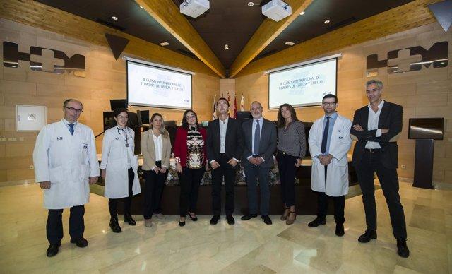 Especialistas del III Curso Internacional de Tumores de Cabeza y Cuello