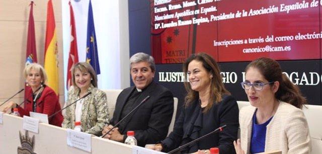 Nueva sección de Derecho Canónico en el ICAM