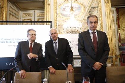 """Zapatero dice que defender una solución pacífica en Venezuela """"no es compatible con sanciones"""""""
