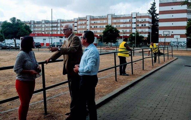 Obras para mejorar una zona de ocio y deporte de la Oliva, en Sevilla