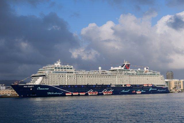 El Mein Schiff 1 en Las Palmas de Gran Canaria