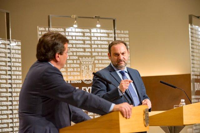 José Luis Ábalos en su comparecencia en Mérida junto a Fernández Vara