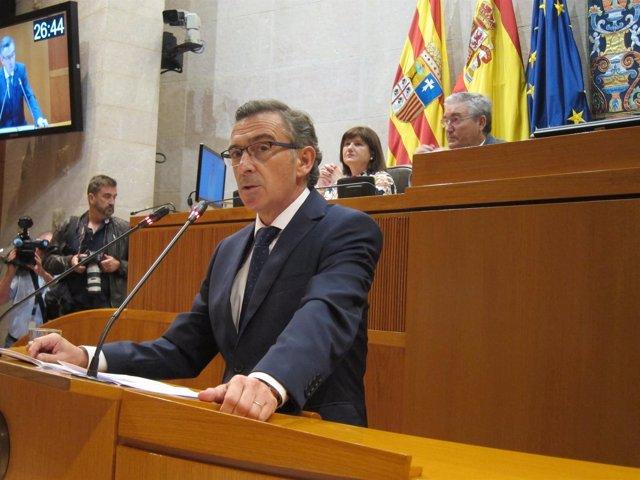 El presidente del PP-Aragón, Luis María Beamonte, durante su intervención
