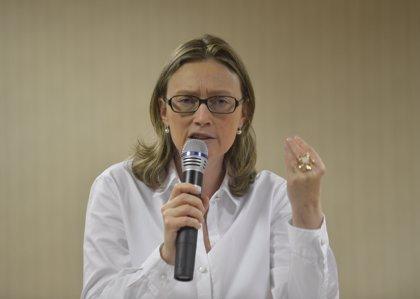 """La congresista a la que Bolsonaro """"no violaría porque no lo merece"""" acusa al candidato de """"amenaza fascista"""""""