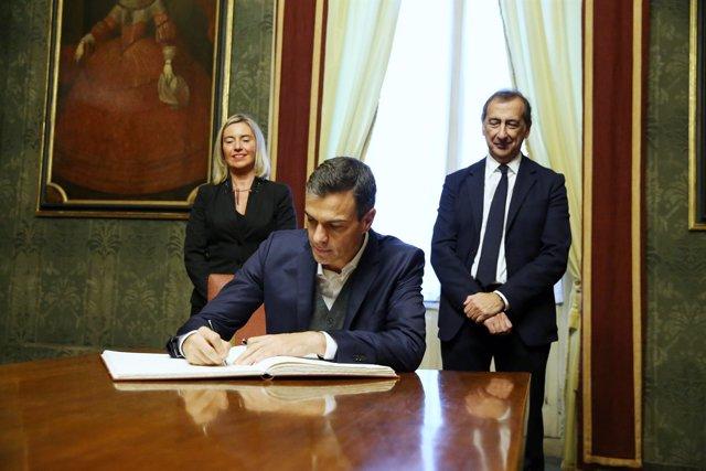 Sánchez con el alcalde de Milán y Federica Mogherini