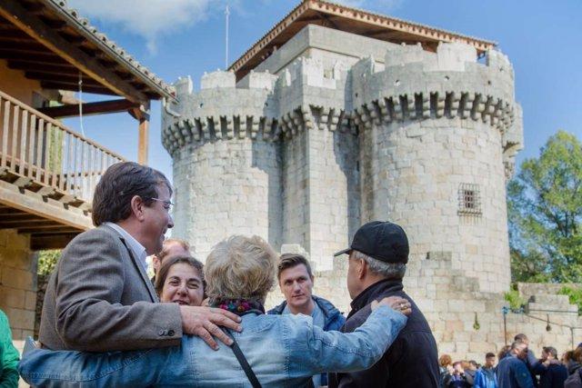 Fernández Vara visita la villa de Granadilla