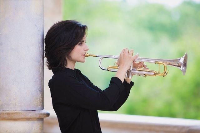 La trompetista y cantante Andrea Motis