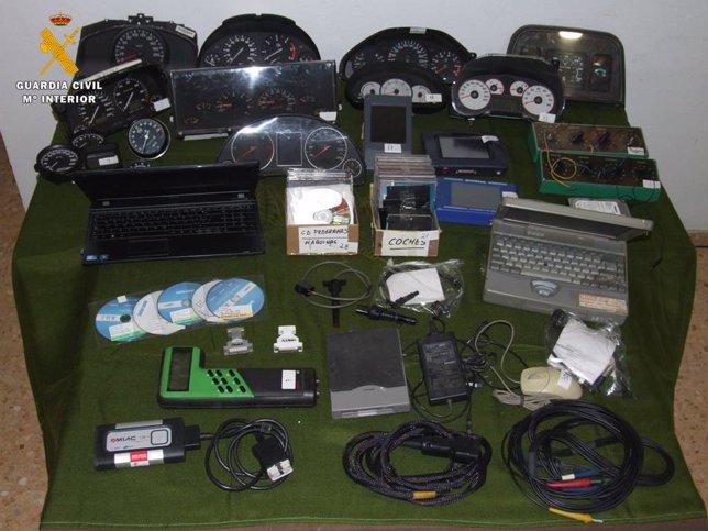 Material para la modificación de odómetros.