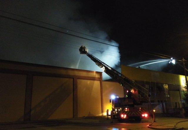 Valladolid.- Actuación de los bomberos en la nave