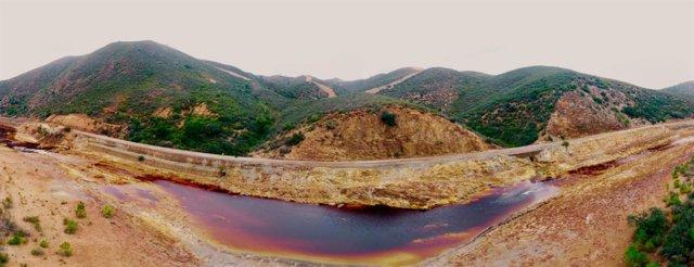 Transformación en ruta ciclista el camino natural del río Tinto