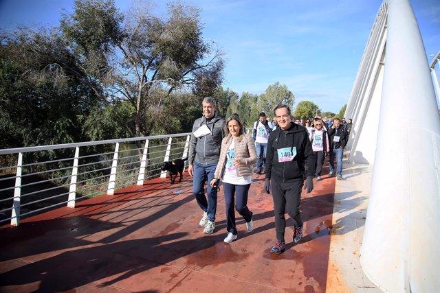Presidente Diputación, alcaldesa Toledo y José Bono en Vuelta al Tajo