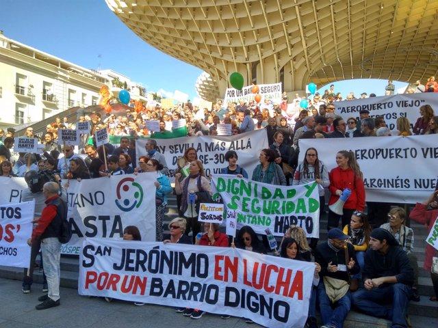 Manifestación de la Plataforma Vecinal Interdistritos Barrios Hartos
