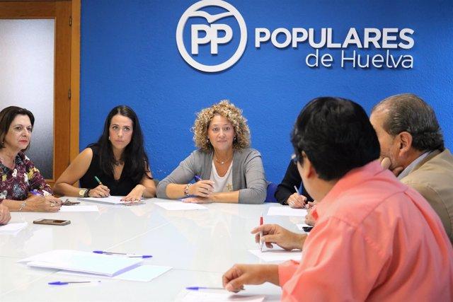 Pilar Marín se reúne con colectivos sociales