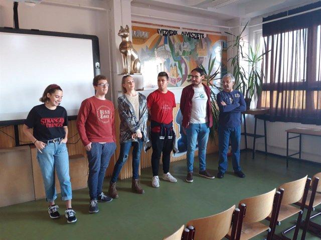 Profesores y alumnos del IES Sabina Mora