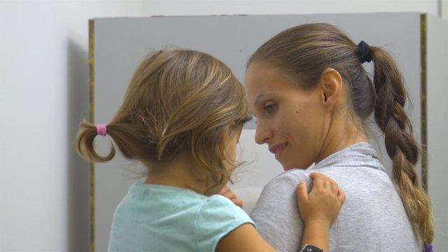 Lucía, una niña con retinoblastoma bilateral multifocal