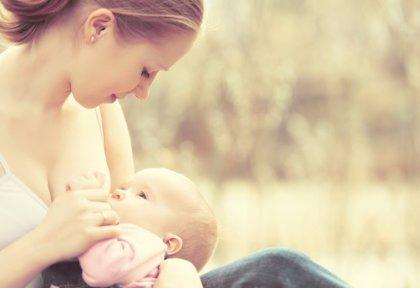 La leche materna contribuye a que los niños desarrollen entre un 20% y un 30% más de materia blanca en el cerebro