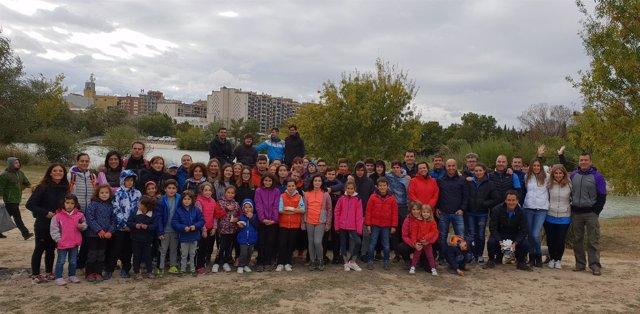 Participantes en la limpieza del Ebro el pasado sábado en Tudela.