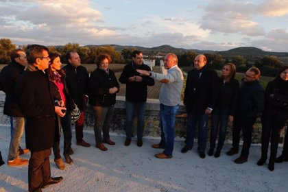"""Moreno (PP-A) se compromete ejecutar el nuevo puente de Huétor Tájar (Granada), la """"promesa eterna"""" de la Junta"""