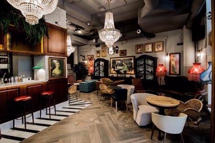 """El hotel Marqués House abre sus puertas y recupera el antiguo Café Madrid, """"donde se inventó el agua de Valencia"""""""
