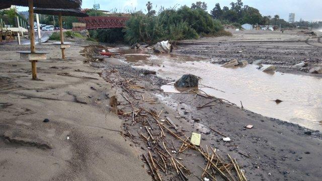 Estado de una playa tras el temporal