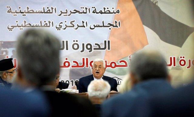 Presidente de Autoridad Palestina, Mahmud Abbas, ante Consejo Central de la OLP