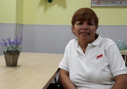El drama de la inmigración: Eveline huyó de un marido maltratador en Perú y hoy duerme en las calles de Madrid