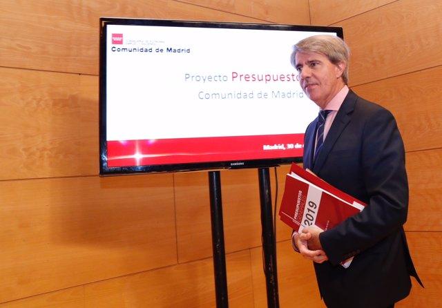 El presidente regional, Ángel Garrido, presenta el acuerdo de presupuesto con Cs
