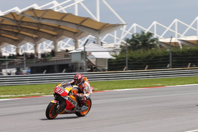El piloto de MotoGP Marc Márquez (Repsol Honda) en un test en Sepang