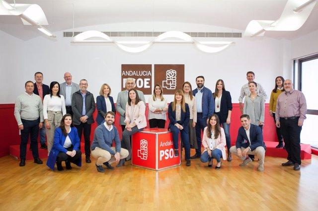 Foto de familia de la lista del PSOE por Sevilla a las elecciones del 2D