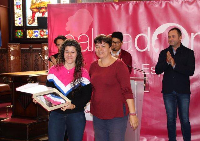 Cort entrega placas conmemorativas a deportistas palmesanas
