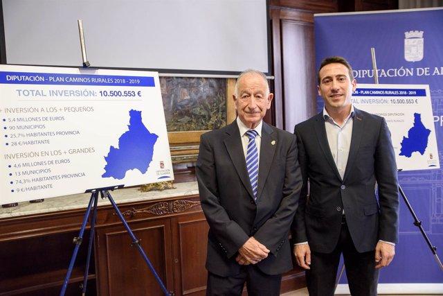 Gabriel Amat y Óscar Liria, durante la presentación del Plan de Caminos Rurales.