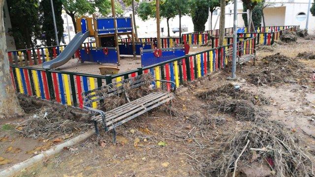 Parque infantil afectado por lluvias precipitaciones temporal campillos daños