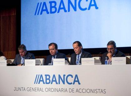 Abanca paga hoy a sus accionistas un dividendo de 0,027 euros por título