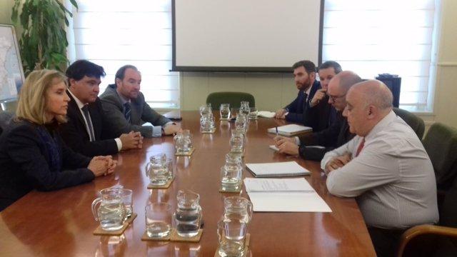 Diputación, Ayuntamiento y Subdelegación se reúnen con Fomento y Renfe.