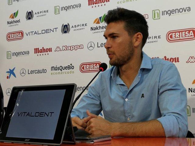 El entrenador de la Cultural y Deportiva Leonesa, Víctor Cea