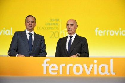 Ferrovial vuelve a beneficios pese a la caída del negocio de servicios que estudia vender