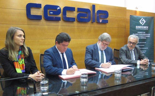 Firma del convenio entre Cecale y Sindemex